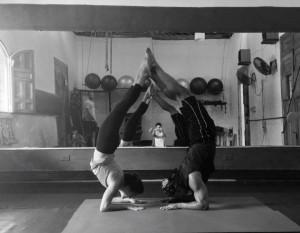 Acro yoga1